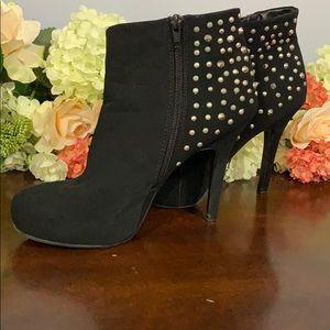 Madeline heels black size 9